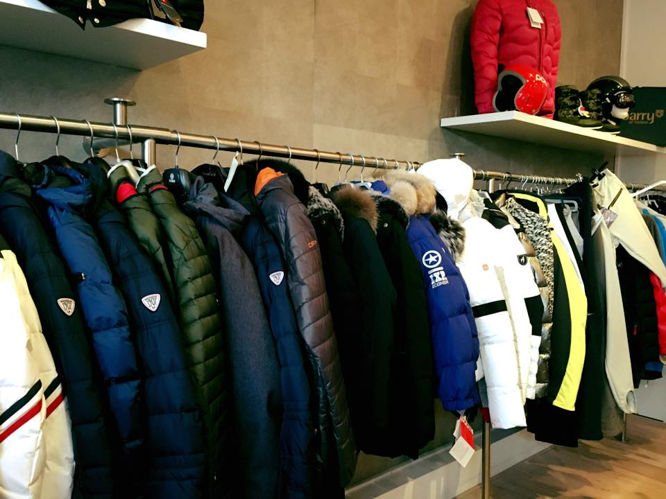 Pop-up store wintersportkleding in Laren