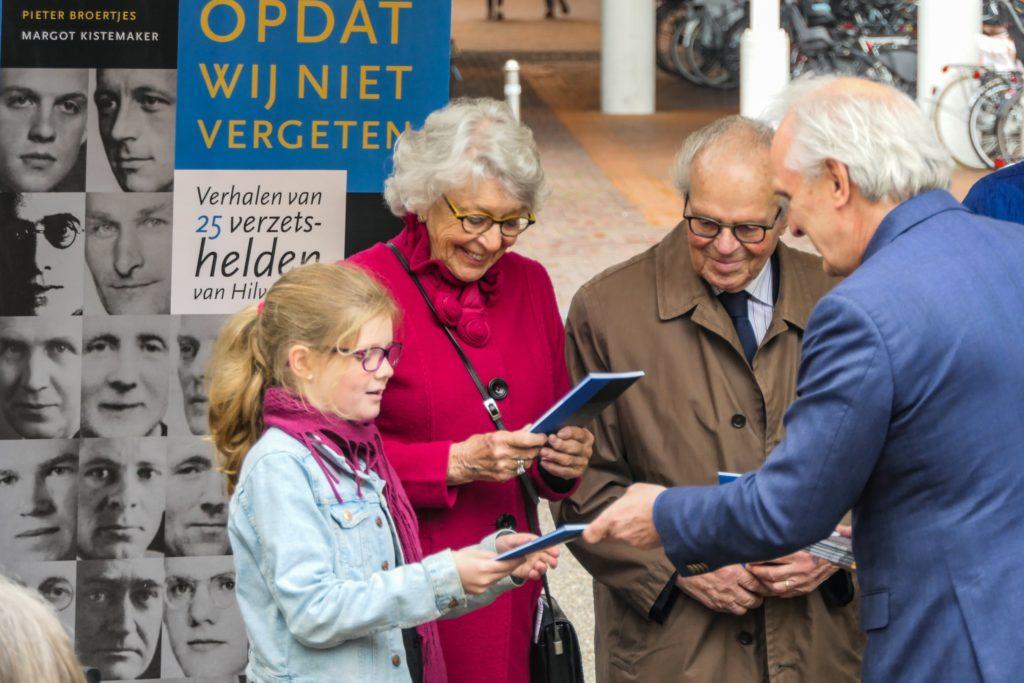 Buitenexpositie 'Terug naar 1940-1945' in Hilversum